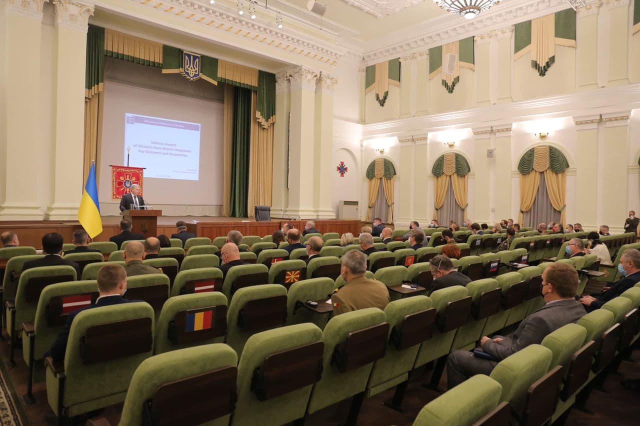 Відбулась зустріч Міністра оборони України з представниками держав-членів НАТО