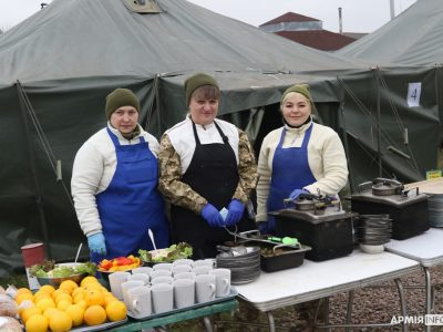Кулінар Number ONE: на Львівщині армійські кухарі здолали «шефів» ресторацій!