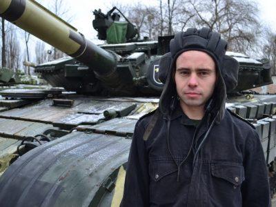 Навідника Андрія Іванцова ворог нарік танковим снайпером