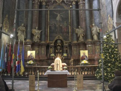 У Львові в Гарнізонному храмі Петра й Павла помолились за захисників Донецького аеропорту
