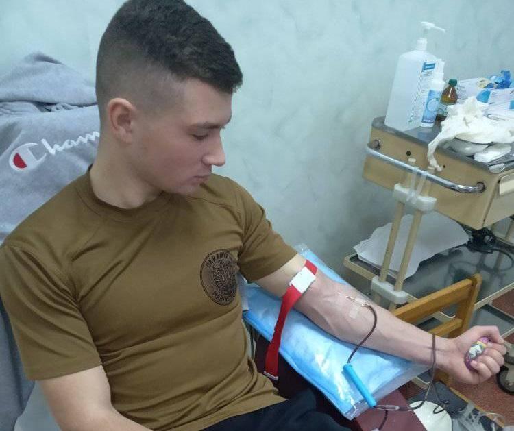 Одеські курсанти здали кров для поранених захисників України