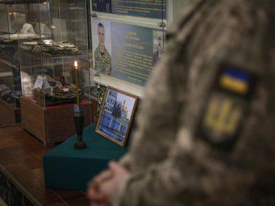У Житомирському військовому інституті вшанували пам'ять загиблого побратима