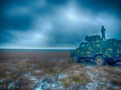 На Донеччині морські піхотинці вдосконалювали навички стрільб на ББМ «Козак-2»