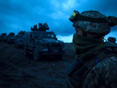 Морські піхотинці вдосконалювали навички водіння та стрільби на ББМ «Козак-2»