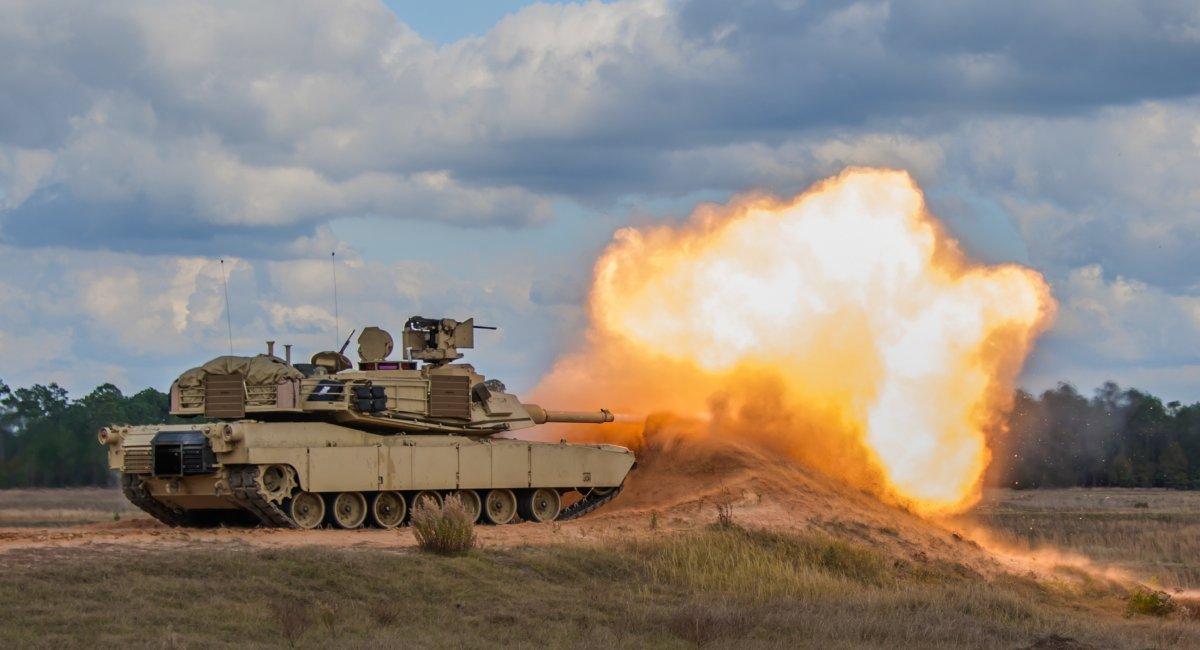 Армія США терміново захистила танки M1 Abrams комплексом активного захисту Trophy
