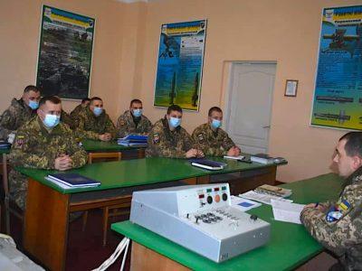 Триває інтенсивне навчання дніпровських десантників