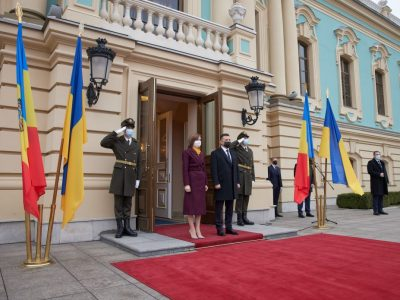 Ми цінуємо, що Президент Молдови не боїться називати Крим українським – Володимир Зеленський