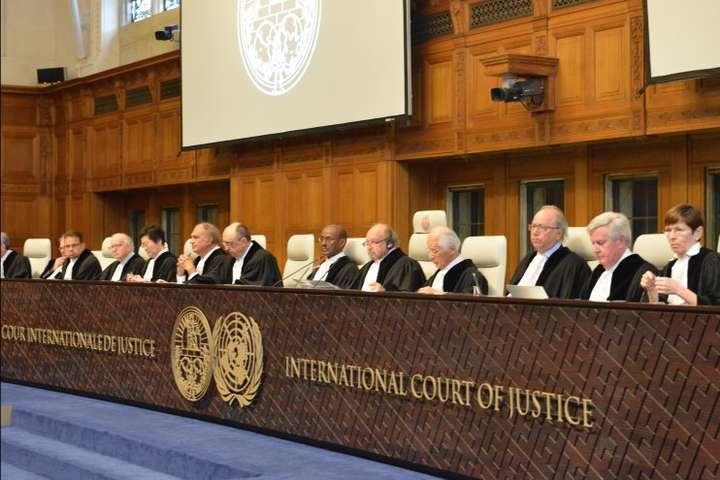 Суд у Гаазі взяв до уваги доповідь щодо воєнних злочинів РФ в Україні