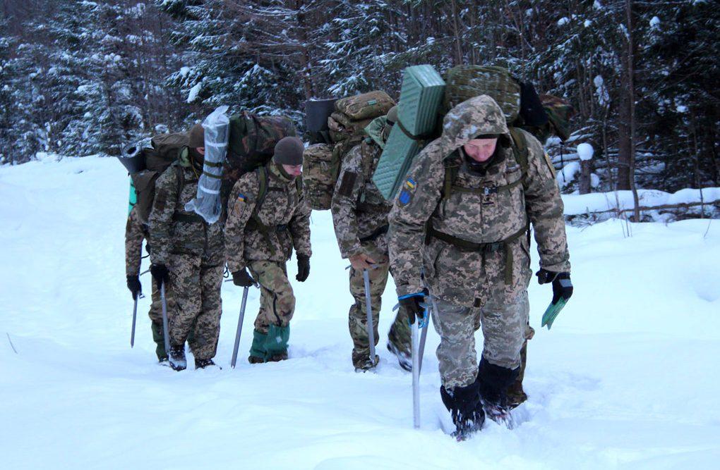 «Курс гірської підготовки» розпочався з пошуково-рятувальної операції військового, якого накрило лавиною