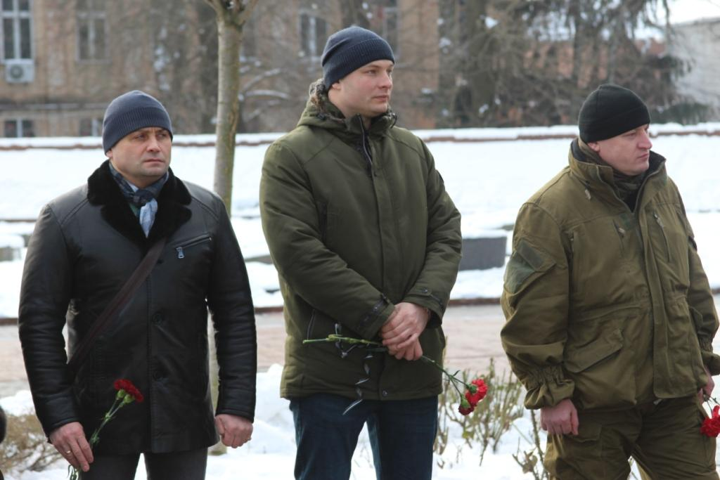 Вінничани вшанували пам'ять загиблих «кіборгів»