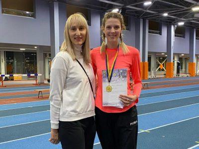 Армійська легкоатлетка Ярослава Магучіх на «Різдвяних стартах» повторила свій світовий молодіжний рекорд