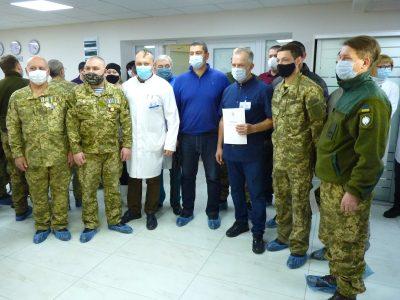 У Дніпрі найкращі лікарі провели великий медогляд та обстеження захисників України й батьків загиблих героїв