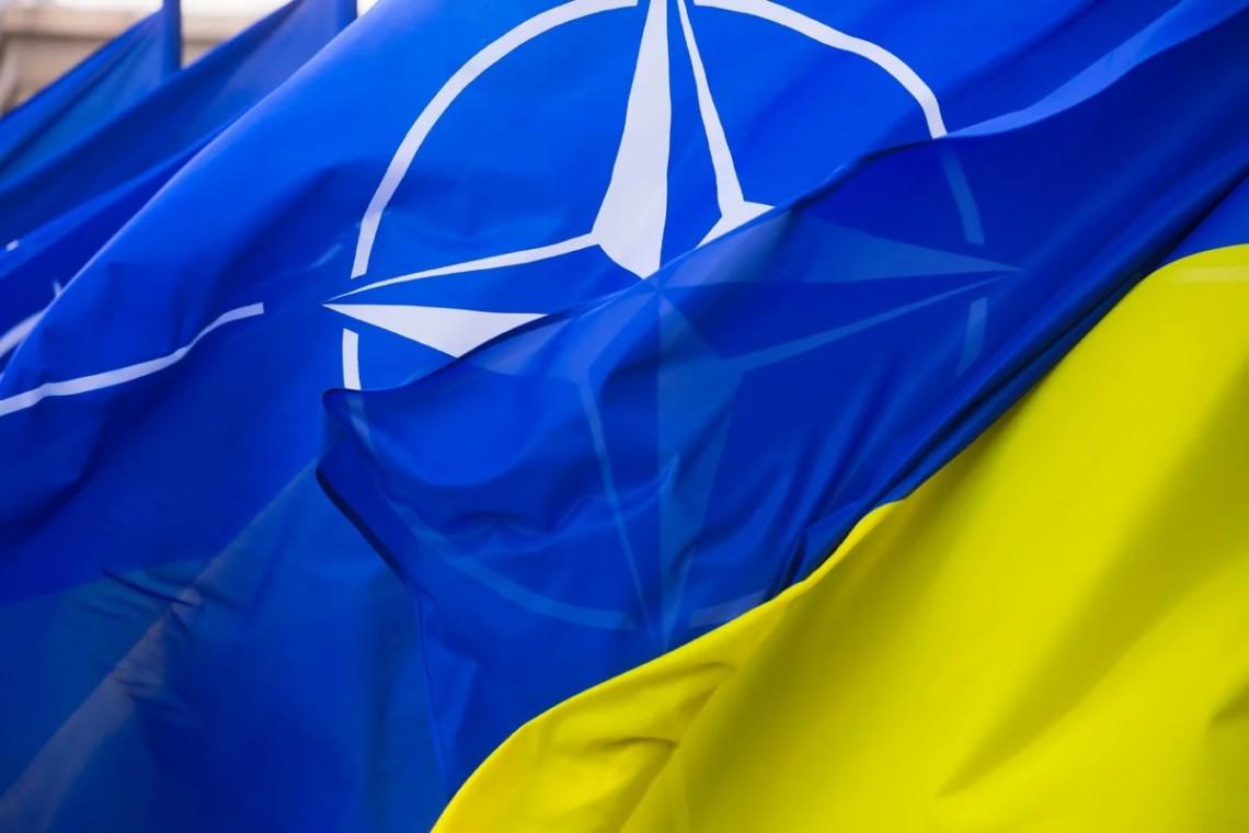 «Сильніші разом»: МЗС України разом із Центром інформації НАТО запустили спільний проєкт