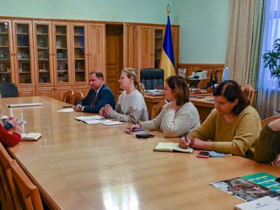 Мінветеранів зацікавлене у широкому залученні ветеранів до проєктів Червоного Хреста України