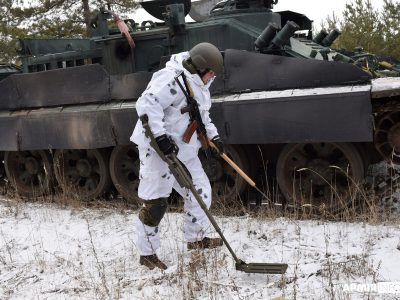 Як не стати жертвою мін — військові тренувалися на Луганщині