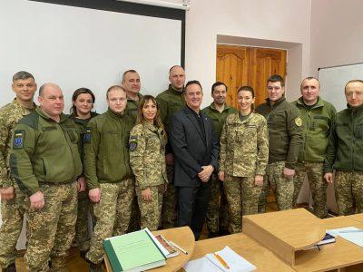 Старший радник при Міноборони від США обговорив з офіцерами НУОУ реформу військової освіти