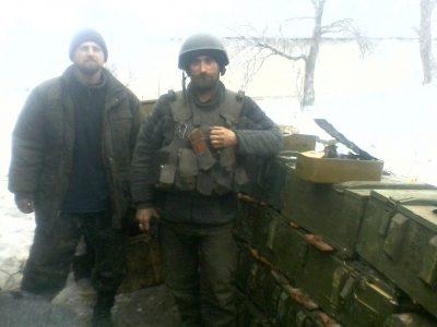 «Майже 50 бійців прорвалися з оточення верхи на пошкодженому танку» — майор Олег Яковенко