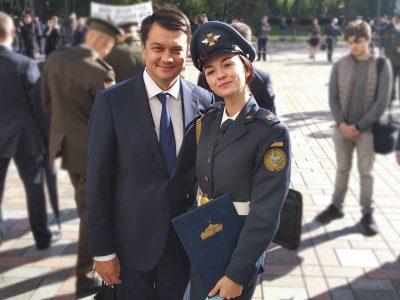 «Закінчивши школу, не вагаючись, подала документи у військовий виш» — стипендіатка Верховної Ради