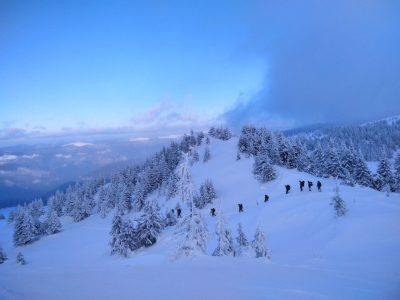 У Карпатах за екстремальних погодних умов триває «Курс гірської підготовки»