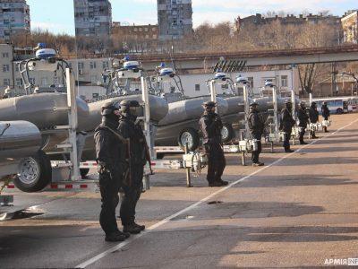 10 швидкісних катерів, понад 70 надувних човнів: українські моряки отримали чергову допомогу від США