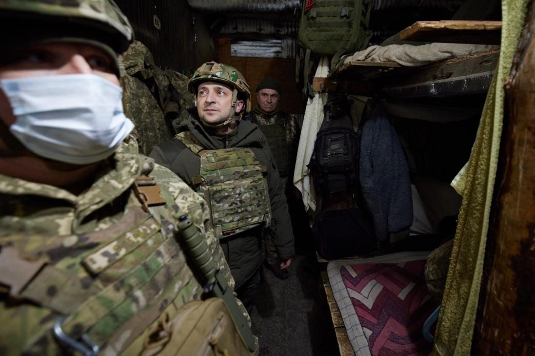 Президент з послами G7 побував за кілька десятків метрів від контактної лінії на Донбасі