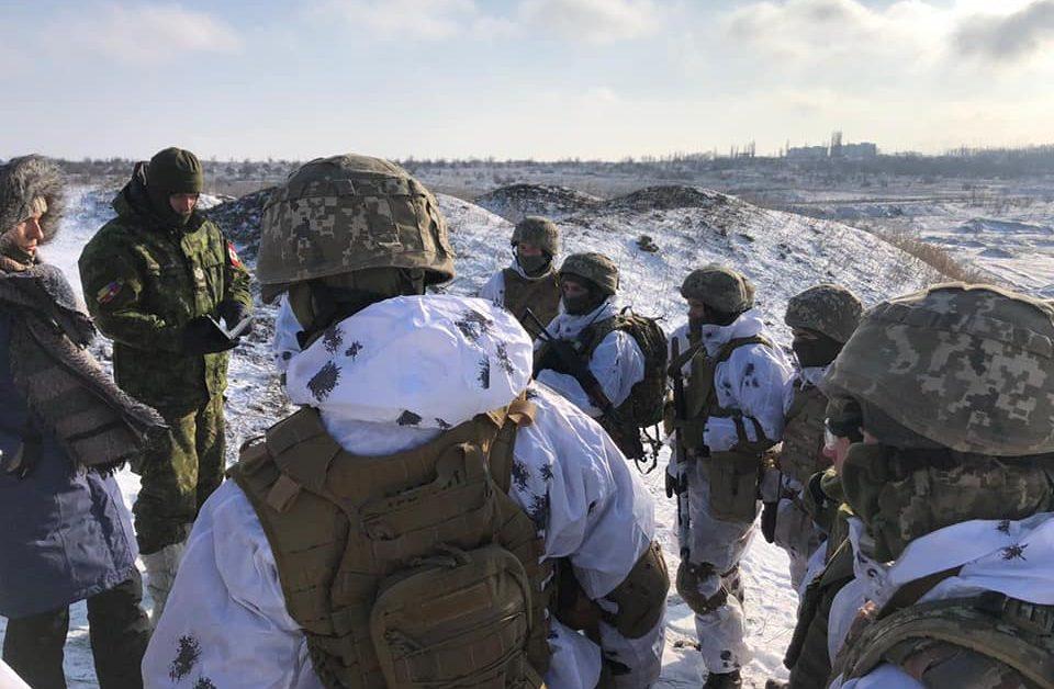 Канадські інструктори діляться  бойовим  досвідом з нашими курсантами