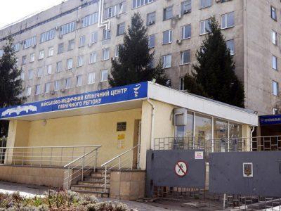 Військові медики в Харкові провели унікальну судинну операцію