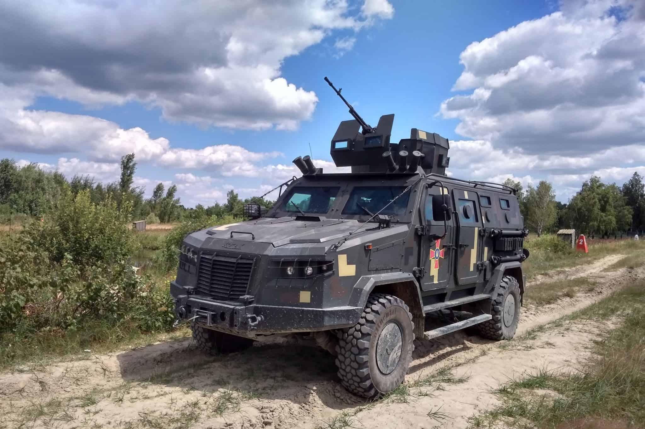 «Козак-2М1», створений для потреб Десантно-штурмових військ та Сил спеціальних операцій, у 2021-му замінить бронеавтомобіль «Козак-2»