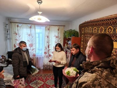 На Миколаївщині морські піхотинці вручили державні нагороди сім'ям загиблих побратимів