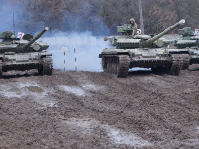 Третьокурсники практикувались у водінні танків за складних умов