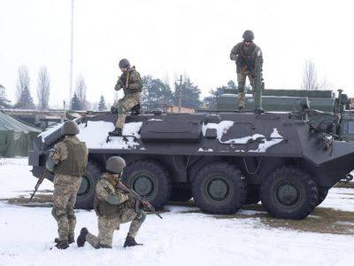 Майбутні офіцери-зв'язківці гартуються «полем» під час посиленої підготовки