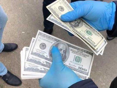 На Хмельниччині затримали на гарячому офіцера, який вимагав гроші від кандидата на військову службу за контрактом