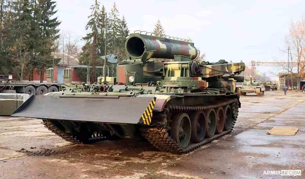 Львовский бронетанковый завод поставит украинский пулемет на обновленный бронетягачи БТС-4