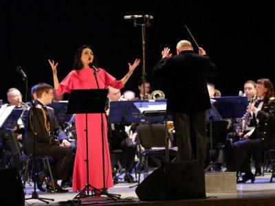 «Музикою кохання» привітали армійок напередодні жіночого свята