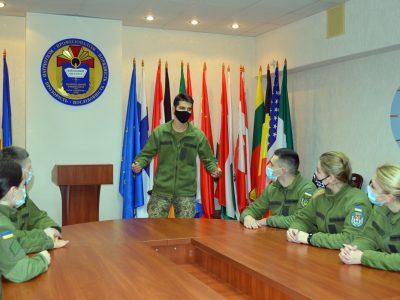 Курсанти столичного військового вишу проводять тренінги іноземними мовами