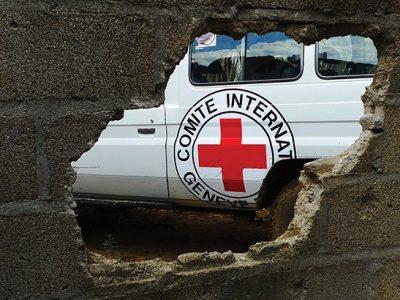 Благодійні організації направляють на Донбас тисячі тонн гуманітарних вантажів, а темою спекулює РФ