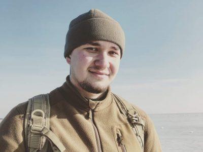Поет на війні: про що пише морпіх Богдан Гирич