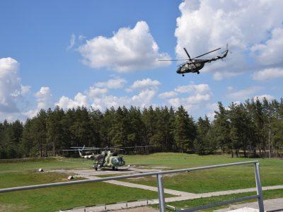 Воїни-вертолітники уражали наземні цілі