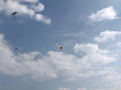 Авіатори бригади транспортної авіації виконали стрибки з парашутами