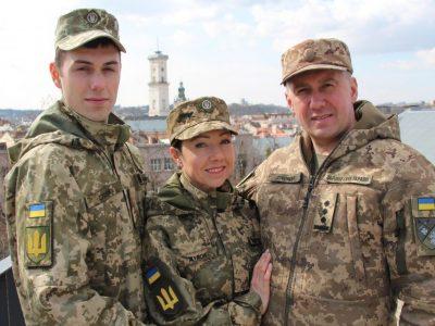 У військового комісара Дубового служать всі — і син, і дружина