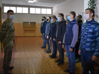 На Вінниччині розпочалося відправлення строковиків у війська