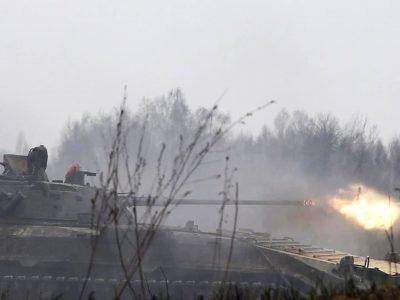 Піхотинці відпрацювали наступ на ворожі позиції з ходу за підтримки танків