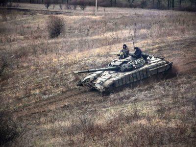 У районі ООС відбулись практичні заняття з водіння танків