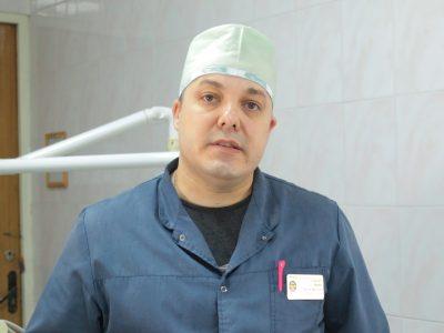 «Одного разу пацієнти приїхали лікувати зуби на зенітно-ракетному комплексі прямо із позиції…»