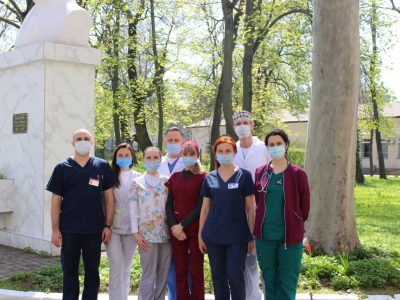 Одеські військові лікарі врятували шестирічну дівчинку