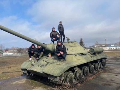 Як бердичівські гармаші відпочивають у перерві між підготовкою до навчань Dynamic Front