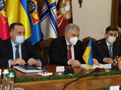 Росія здатна планувати для України повторення грузинського сценарію 2008-го року – Андрій Таран зустрівся з Послом Франції в Україні