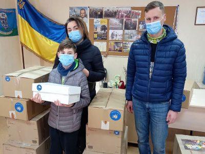 До Великодня київські пластуни зібрали 450 кілограмів подарунків для військових
