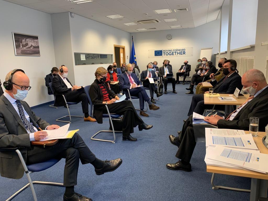 Олексій Данілов обговорив з керівниками дипломатичних представництв ЄС безпекову ситуацію на сході України