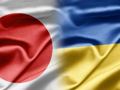 Президент України обговорив загострення Росією безпекової ситуації з головою уряду Японії